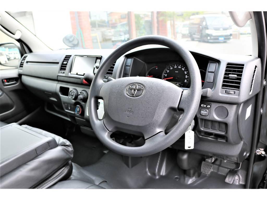 運転席は目線が高く運転しやすいデザインとなっております!