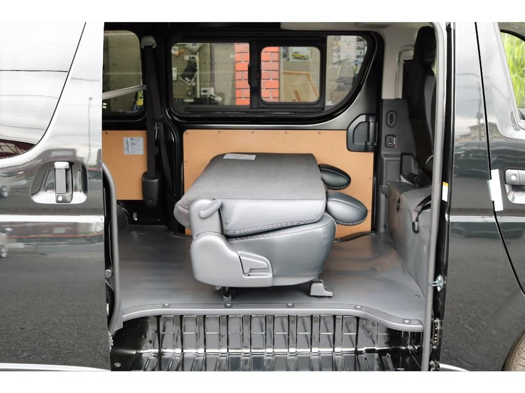 大人の方でもゆったり座れるシートです! | トヨタ ハイエースバン 2.0 DX ロング GLパッケージ S-GL 2ndシート