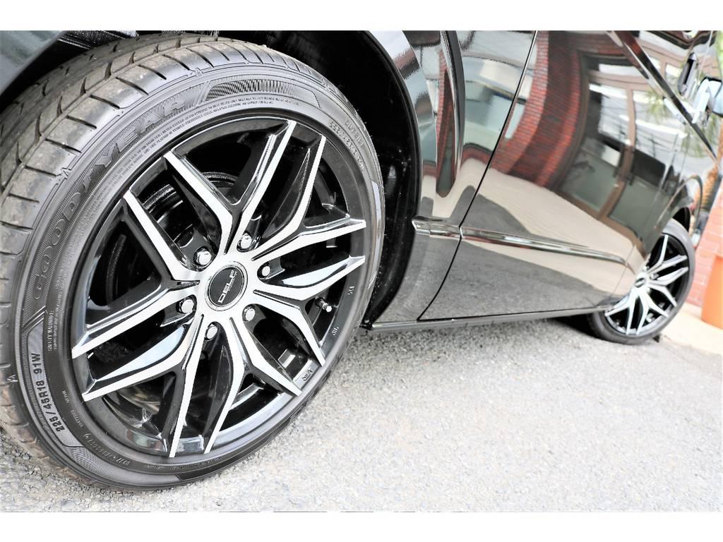 足元はFLEXオリジナルホイール&2インチローダウン済みです!構造変更後のお渡しとなります! | トヨタ ハイエースバン 2.0 DX ロング GLパッケージ S-GL 2ndシート