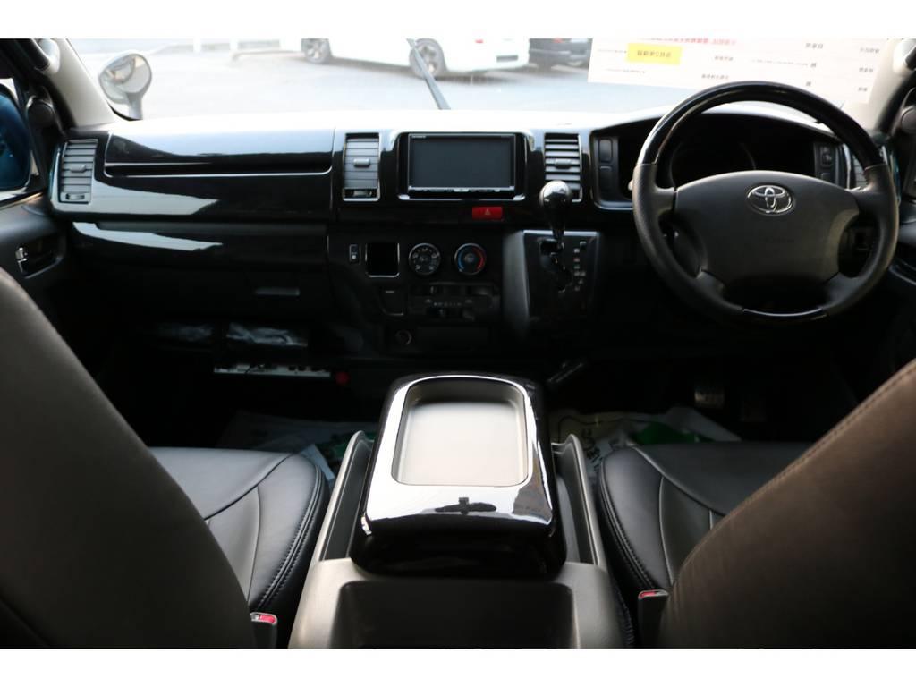 10万キロ走ったとは思えないほど内外装ピッカピカです! | トヨタ レジアスエース 2.0 スーパーGL ロングボディ 2型