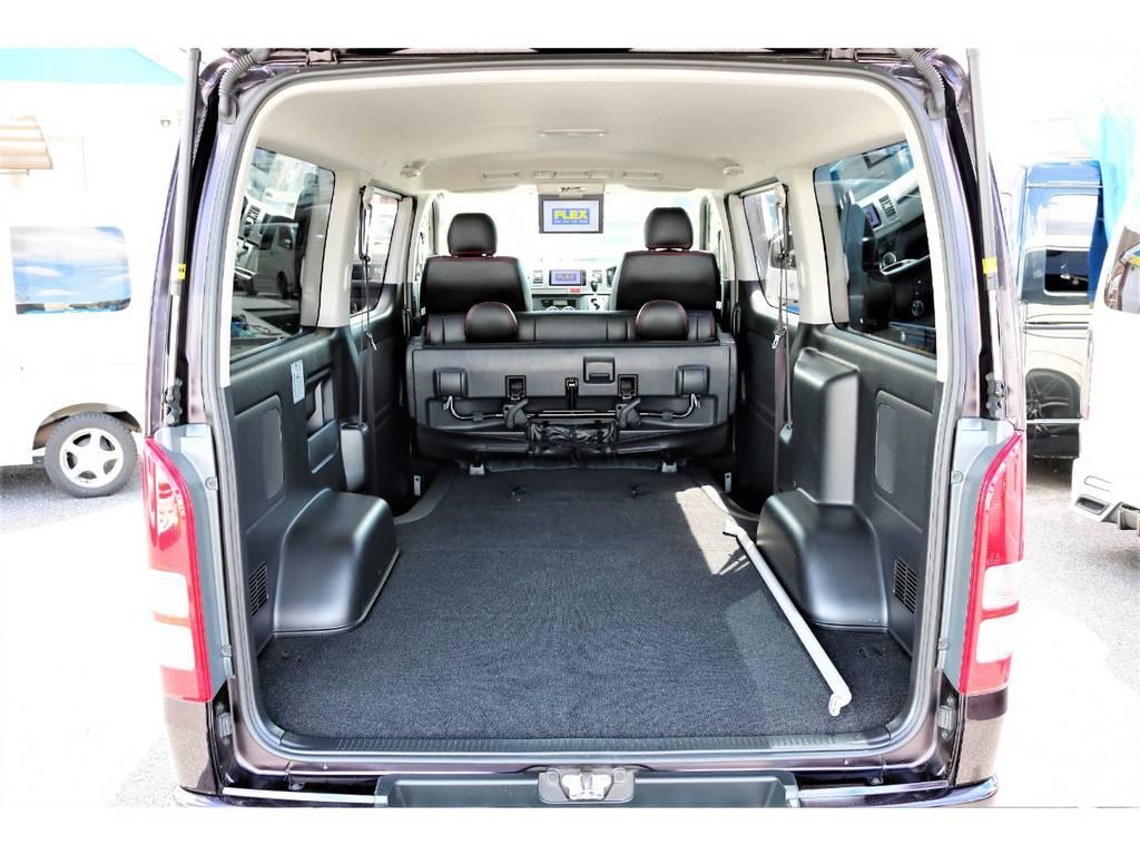 リアシートを折り畳めば広大なラゲッジスペースに早変わり! | トヨタ ハイエースバン 3.0 スーパーGL ロング ディーゼルターボ プライムセレクション