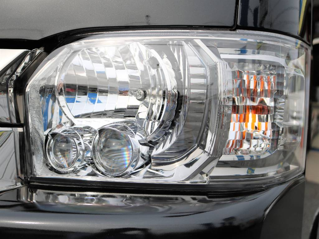 ヘッドライトもスーパーGLとは違ったカラーに変更されています!標準装備です! | トヨタ ハイエースバン 2.7 スーパーGL ダークプライム ワイド ミドルルーフ ロングボディ 4WD
