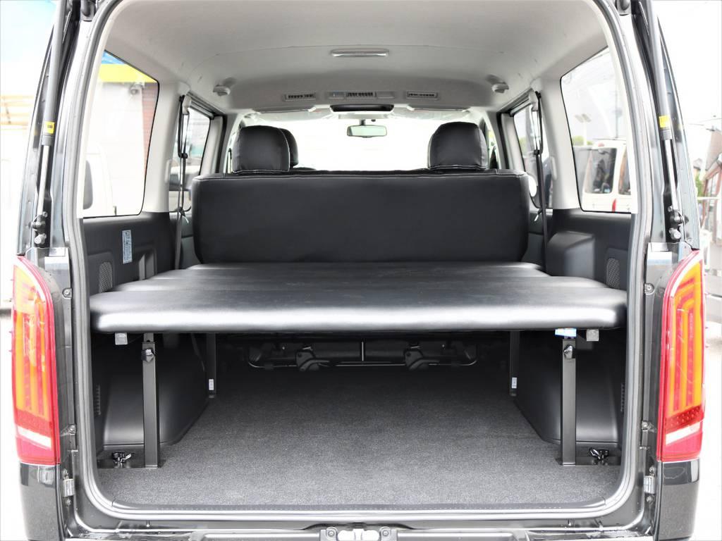 FLEXオリジナルベッドキット付きなのでアウトドアにはもちろん、お仕事でご利用の方も棚の様に使用することが可能です! | トヨタ ハイエースバン 2.0 スーパーGL ロング ネオクラシックパッケージ
