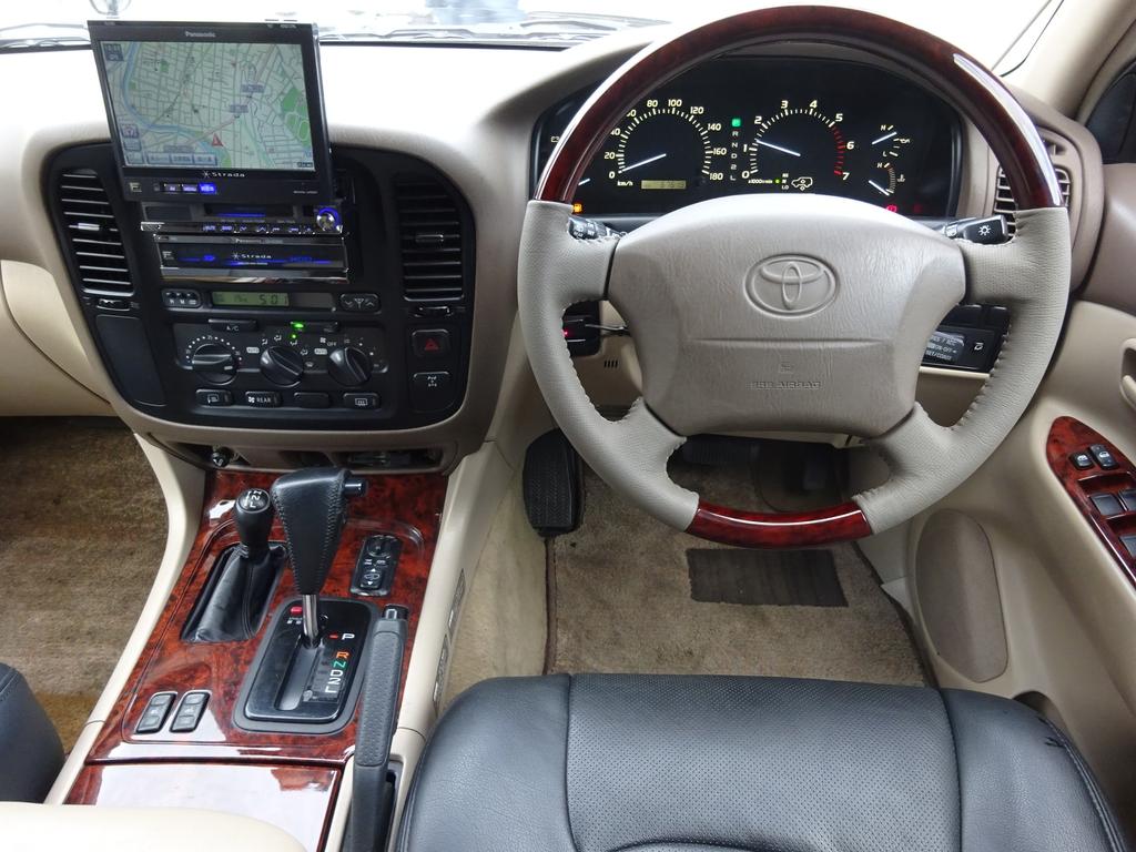ランドクルーザー100 4.7 VXリミテッド 4WD