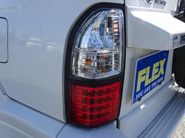 LEDテールもインストールされております。 | トヨタ ランドクルーザープラド 2.7 TX リミテッド 4WD サンルーフ MGビーストAW