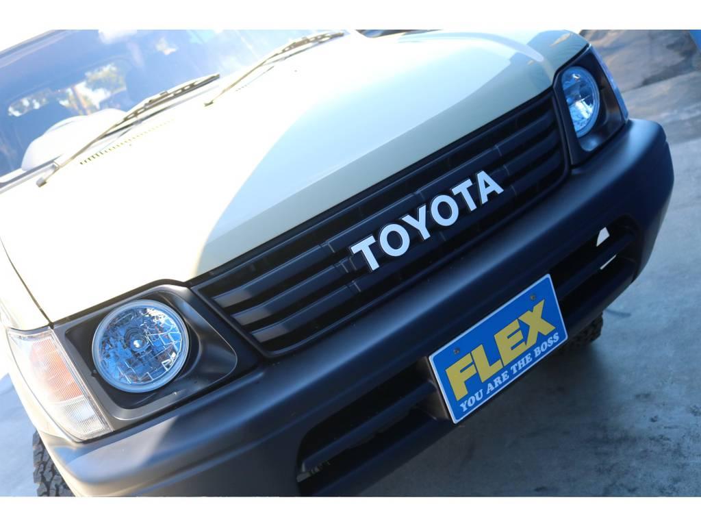 いかがですか?このオシャレなフェイス!!   トヨタ ランドクルーザープラド 2.7 TX リミテッド 4WD ベージュオールP