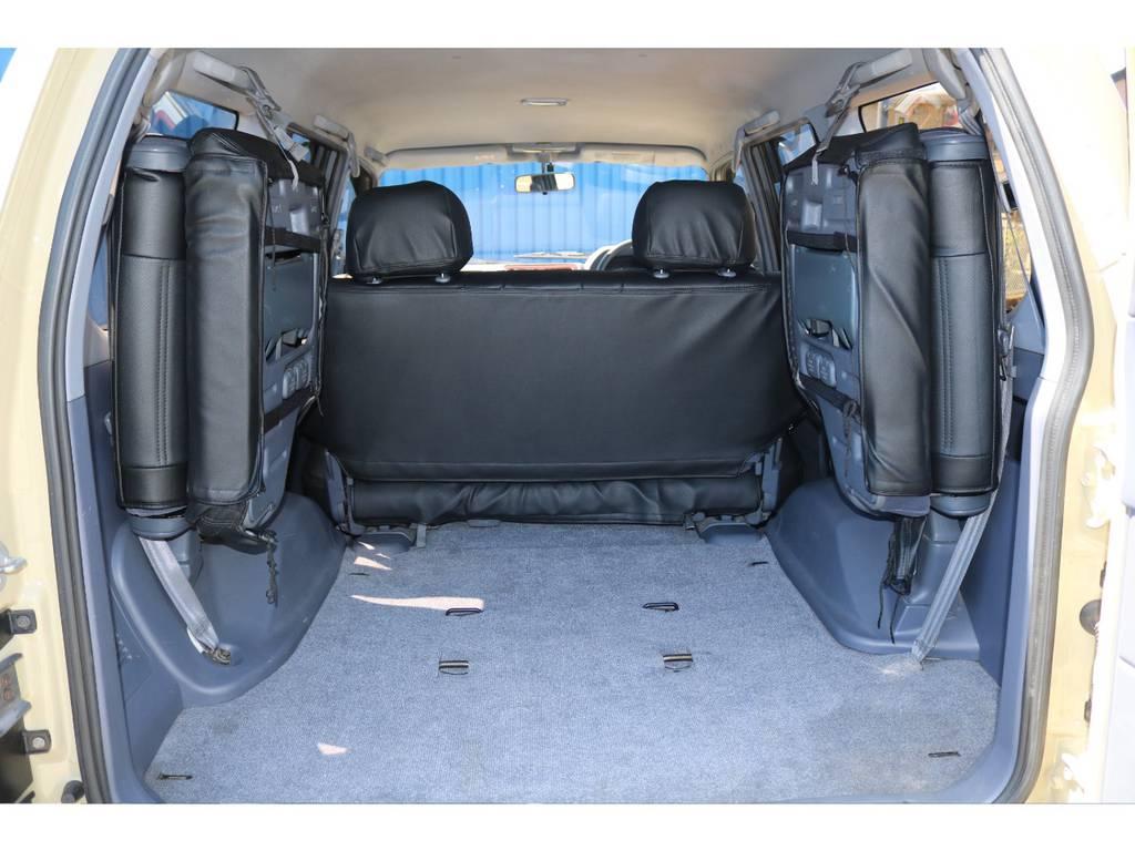 トランクもとっても広々です!人も物も沢山詰め込めます!   トヨタ ランドクルーザープラド 2.7 TX リミテッド 4WD ベージュオールP