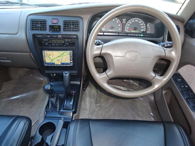 オートマチック車になりますのでAT限定免許の方でもお乗りになれます。 | トヨタ ハイラックスサーフ 2.7 SSR-X 4WD ベージュNEWペイント 2インチリフUP