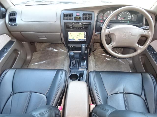 内装もとても綺麗な状態です。追加写真を希望の方はお気軽にお問い合わせ下さい。 | トヨタ ハイラックスサーフ 2.7 SSR-X 4WD ベージュNEWペイント 2インチリフUP