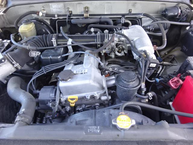 2700㏄ガソリン。タイミングチェーン式なのでベルト式と違い10万km毎の交換は不要です。 | トヨタ ハイラックスサーフ 2.7 SSR-X 4WD ベージュNEWペイント 2インチリフUP