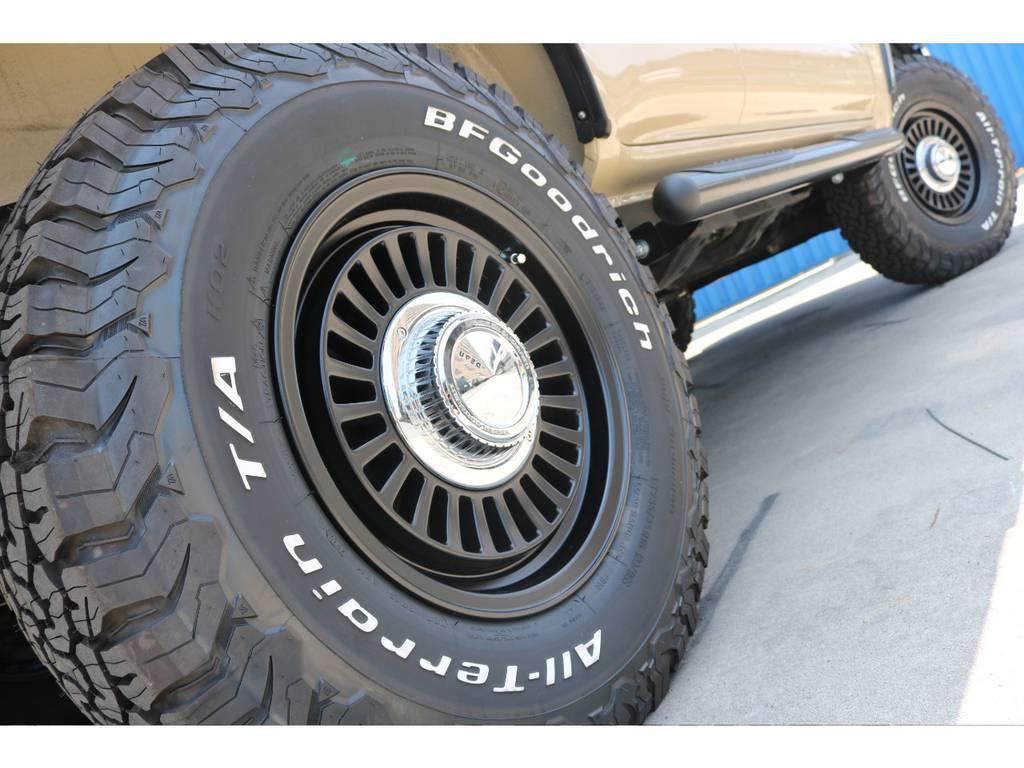 お洒落は足元から。DEANホイールにBFGタイヤでバチっときまっております。 | トヨタ ハイラックスサーフ 2.7 SSR-X 4WD ベージュNEWペイント 2インチリフUP
