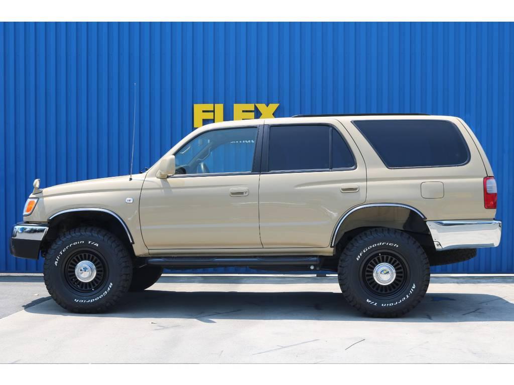 乗り易さ、カッコよさを求めた2インチリフトUP。 | トヨタ ハイラックスサーフ 2.7 SSR-X 4WD ベージュNEWペイント 2インチリフUP
