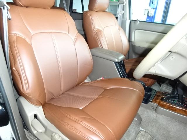 シートは気になるへたりは感じられずGOODコンディションです。 | トヨタ ハイラックスサーフ 2.7 SSR-X プレミアムセレクション 4WD ブラックオールP 2インチリフトUP