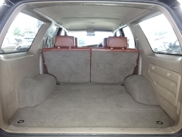 ハイラックスは荷室がとても広く作られております。沢山の荷物を積むことが出来ますね。 | トヨタ ハイラックスサーフ 2.7 SSR-X プレミアムセレクション 4WD ブラックオールP 2インチリフトUP