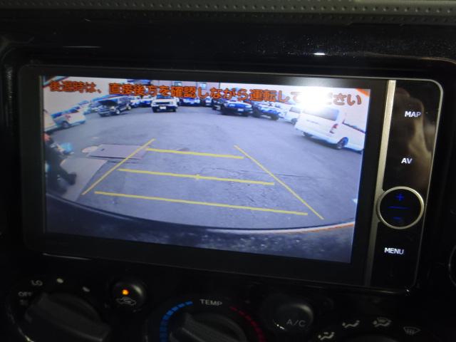 付いていて嬉しいバックカメラ付き♪駐車も楽ちんです。 | トヨタ FJクルーザー 4.0 ブラックカラーパッケージ 4WD ワンオーナー 新品2インチリフトUP