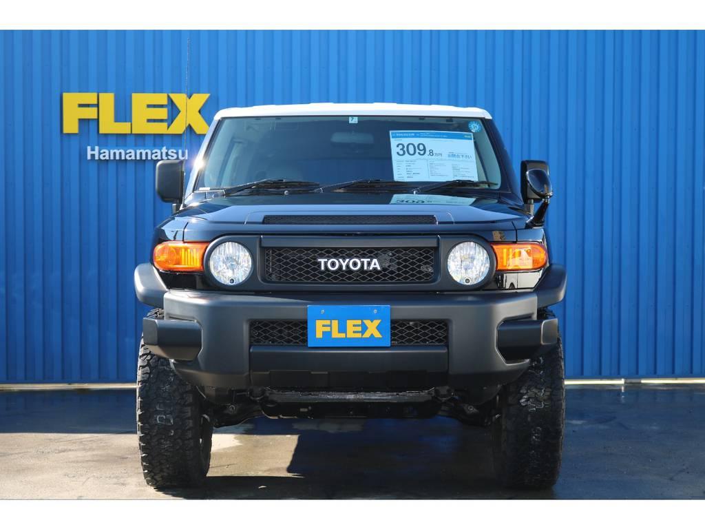丸目のライトがポップでお洒落です。 | トヨタ FJクルーザー 4.0 ブラックカラーパッケージ 4WD ワンオーナー 新品2インチリフトUP