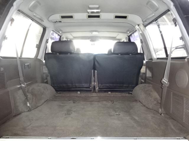 ラゲッジスペースも乗っても広々で沢山の荷物を載せることが出来ます!! | トヨタ ランドクルーザー80 4.5 VXリミテッド 4WD 角目四灯 ブラックNEWペイント