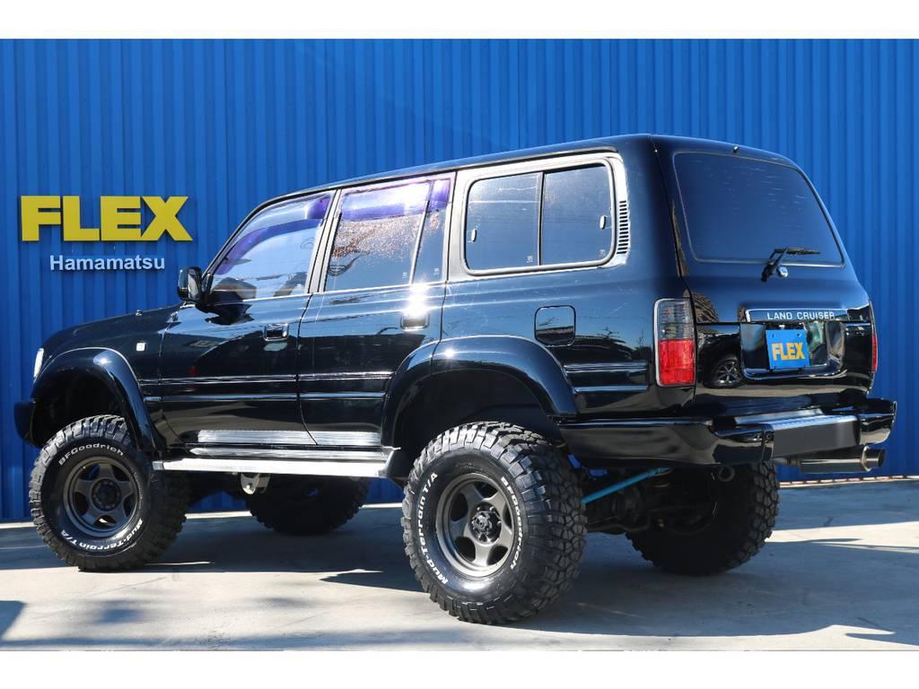 艶々の真っ黒なボディーがとってもカッコイイですね! | トヨタ ランドクルーザー80 4.5 VXリミテッド 4WD 角目四灯 ブラックNEWペイント