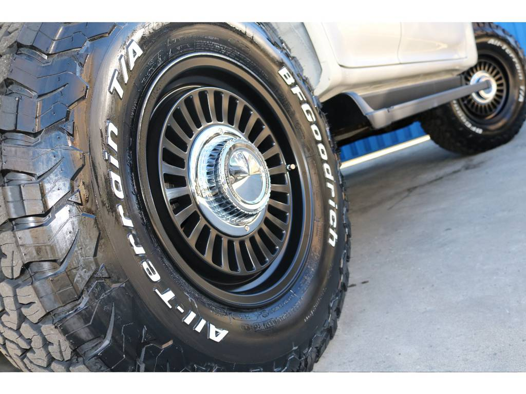 | トヨタ ランドクルーザープラド 2.7 TX リミテッド 4WD 丸目換装 クラシックコンプリート