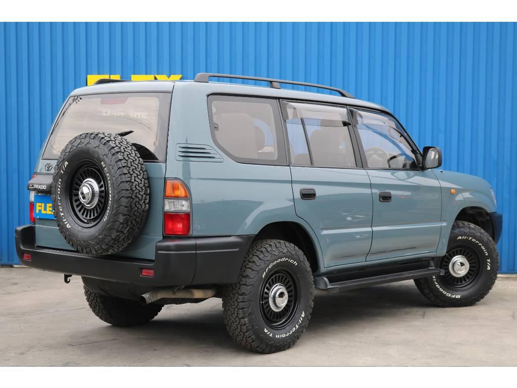 背面タイヤも揃えてますので後ろからの見た目もGOODです♪ | トヨタ ランドクルーザープラド 3.0 TX ディーゼルターボ 4WD 低走行8万km