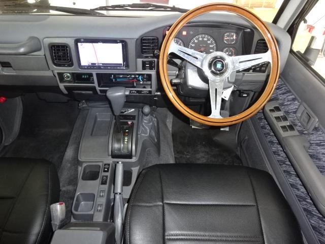 新品ダッシュボード張替えにナルディのハンドル付き!! | トヨタ ランドクルーザープラド 3.0 SXワイド アクティブバケーションII ディーゼルターボ 4WD 新品2インチリフトUP