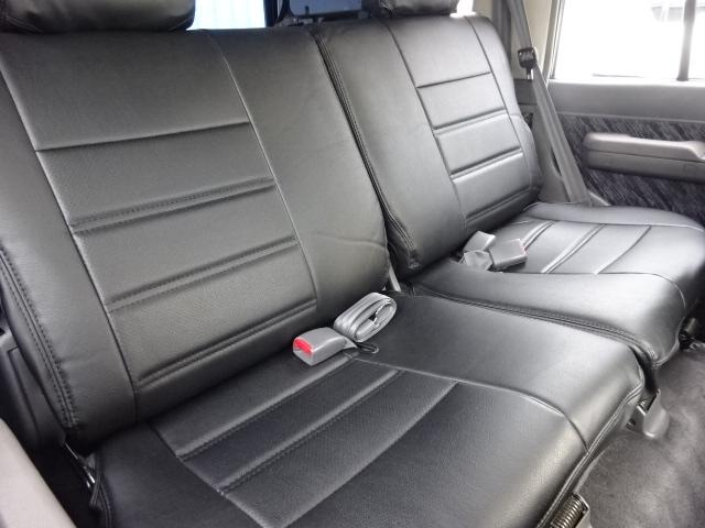 セカンドシートも大人が乗っても広々です!   トヨタ ランドクルーザープラド 3.0 SXワイド アクティブバケーションII ディーゼルターボ 4WD 新品2インチリフトUP