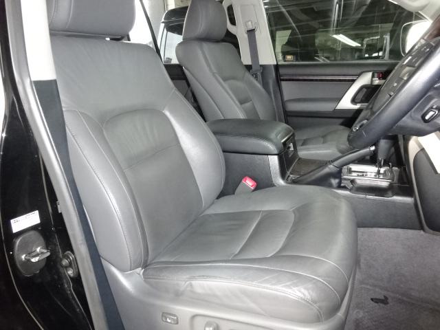 Gセレですのでパワーシート、本革シート付です! | トヨタ ランドクルーザー200 4.6 AX Gセレクション 4WD 純正マルチ 革シート