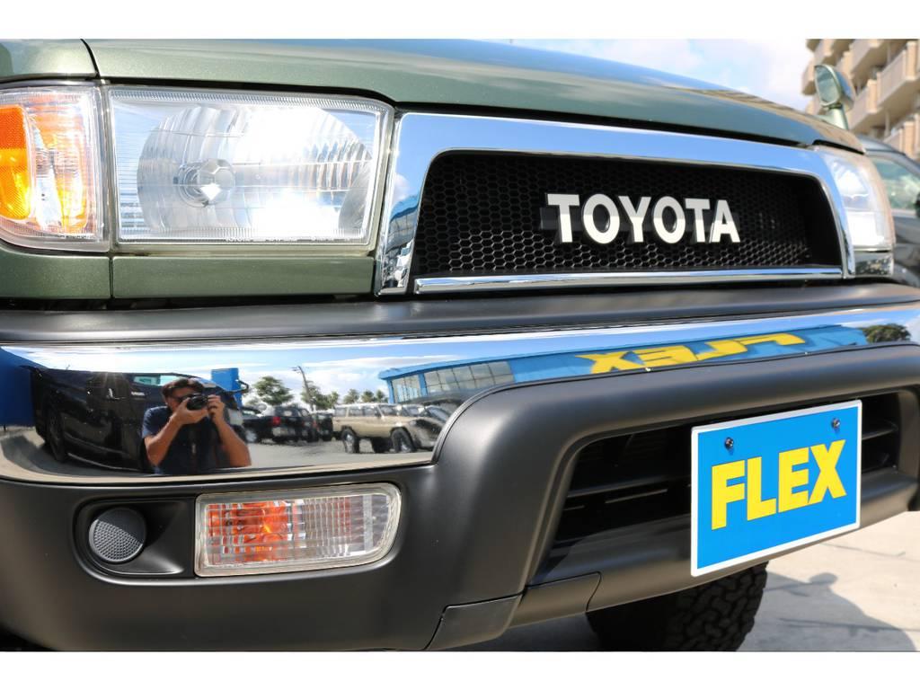 新品グリル!トヨタロゴで一気にクラシックスタイルに!   トヨタ ハイラックスサーフ 2.7 SSR-G 4WD ディーゼルグリーンNEWペイント