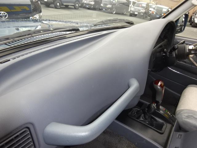 ダッシュボードもご覧の通りキレイな状態です。 | トヨタ ランドクルーザー80 4.5 VXリミテッド 4WD アルルブルーオールP 60丸目換装