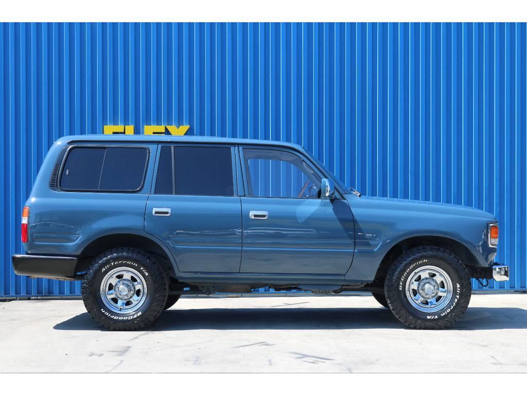 タイヤは新品にて交換致しました。 | トヨタ ランドクルーザー80 4.5 VXリミテッド 4WD アルルブルーオールP 60丸目換装