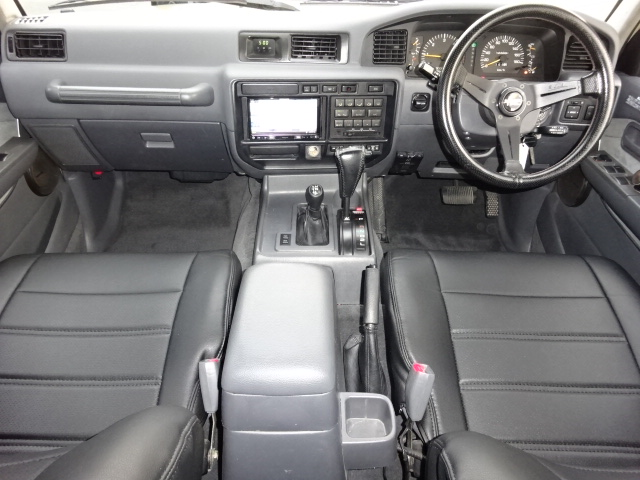   トヨタ ランドクルーザー80 4.5 VXリミテッド 4WD 角目四灯 ベージュNEWペイント