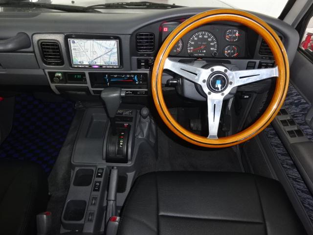 新品ブラックシートカバー!!ナルディハンドル付きです。 | トヨタ ランドクルーザープラド 3.0 SXワイド ディーゼルターボ 4WD ブラックオールP 新品2インチリフトUP