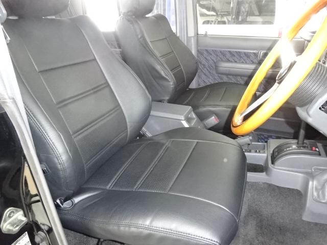 運転席からは、視界も広く運転も楽ちんです。 | トヨタ ランドクルーザープラド 3.0 SXワイド ディーゼルターボ 4WD ブラックオールP 新品2インチリフトUP