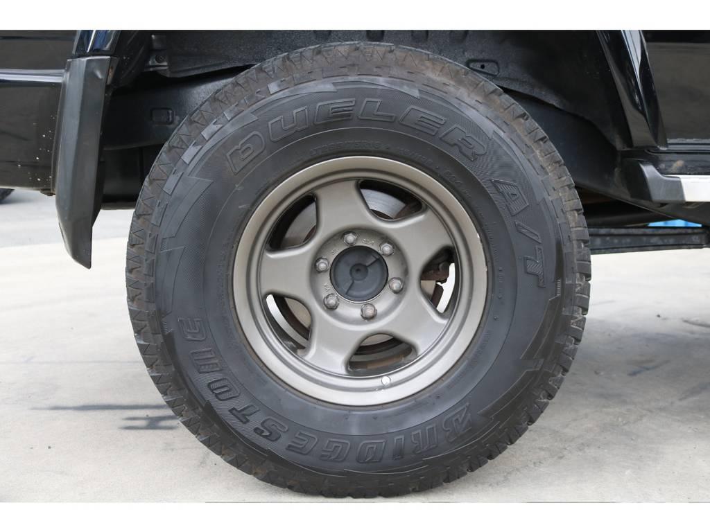 ブラッドレーAW&ブリジストンタイヤ。 | トヨタ ランドクルーザープラド 3.0 SXワイド ディーゼルターボ 4WD ブラックオールP 新品2インチリフトUP