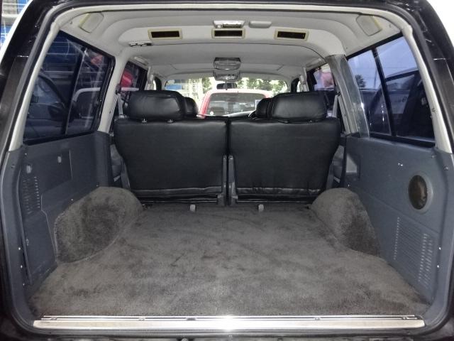広々ラゲッジルームです。 | トヨタ ランドクルーザー80 4.5 VXリミテッド アクティブバケーション 4WD ブラックオールP 3インチリフトUP