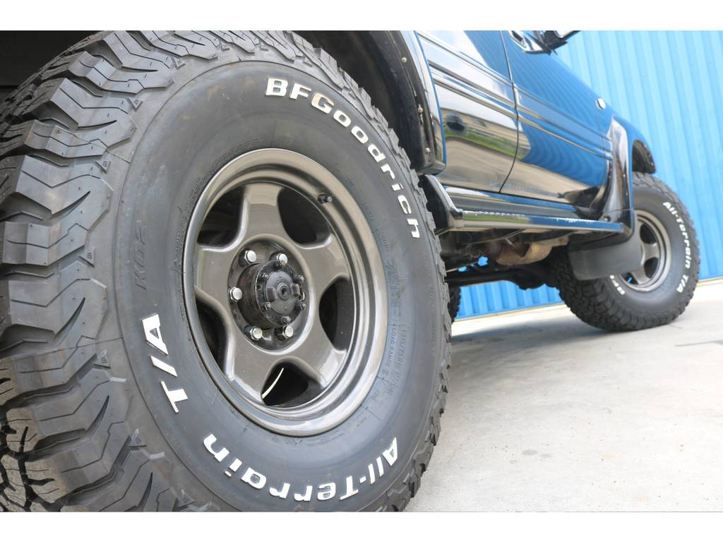 ブラV&新品BFグッドリッチタイヤ。 | トヨタ ランドクルーザー80 4.5 VXリミテッド アクティブバケーション 4WD ブラックオールP 3インチリフトUP