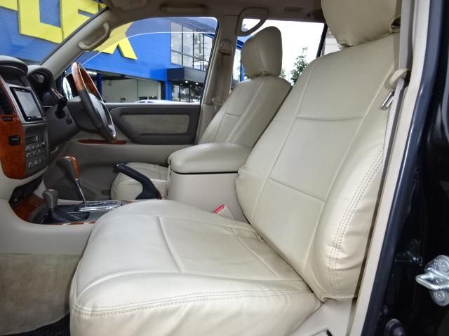 高級感溢れる車内を、シートカバーで更にグレードアップ!軽い汚れならさっとひと拭きで元通りに!
