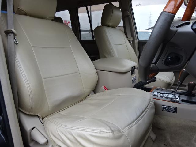 ゆったりとしたフロントシートはロングドライブでも疲れを感じさせません!