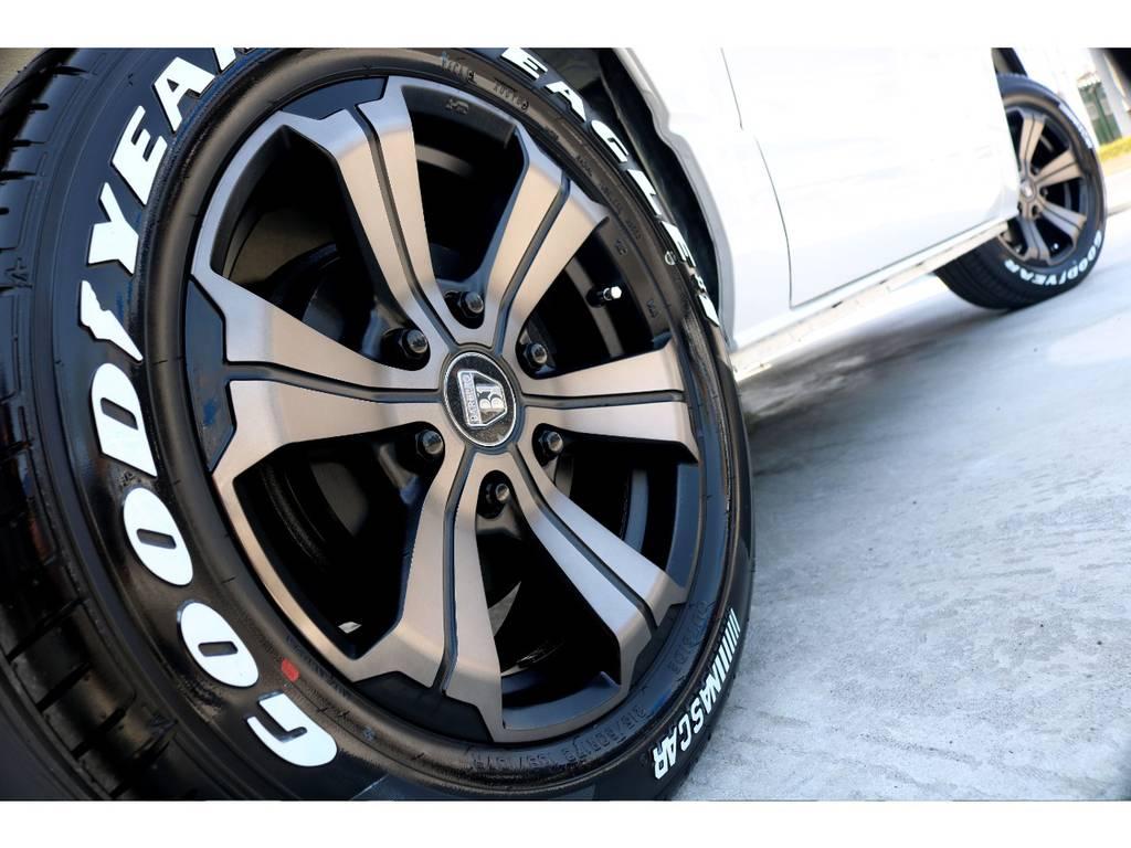 迫力あるサイドライン!! | トヨタ レジアスエース 3.0 スーパーGL プライムセレクション ロングボディ ディーゼルターボ 4WD