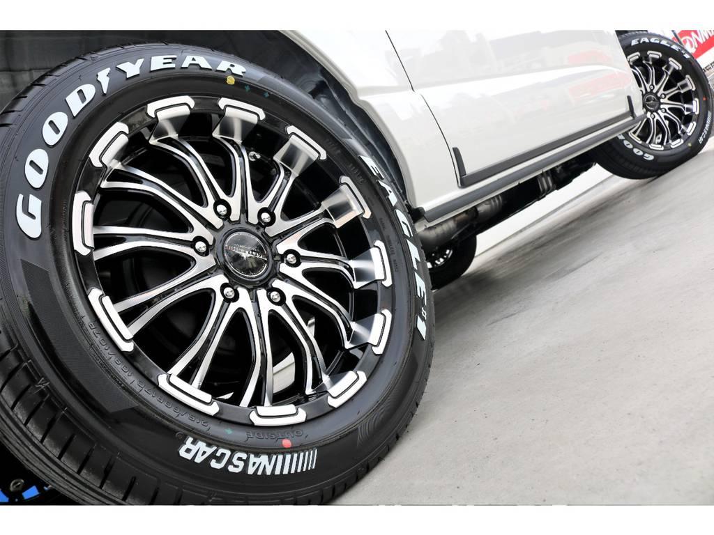迫力あるサイドライン!!   トヨタ ハイエースバン 2.7 スーパーGL 50THアニバーサリー リミテッド ワイド ミドルルーフ ロングボディ4WD
