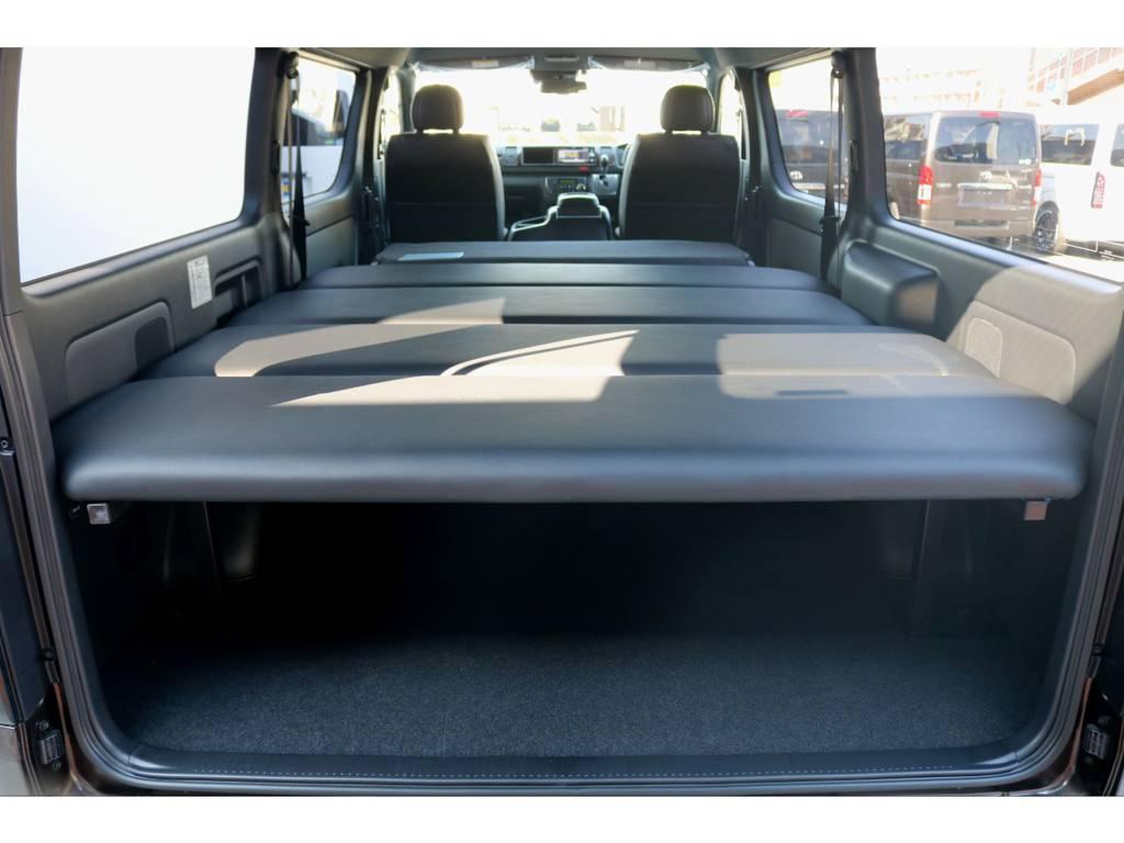 FLEXオリジナルベットキットを搭載!! | トヨタ ハイエースバン 2.7 スーパーGL 50THアニバーサリー リミテッド ワイド ミドルルーフ ロングボディ4WD ベッドキットPKG