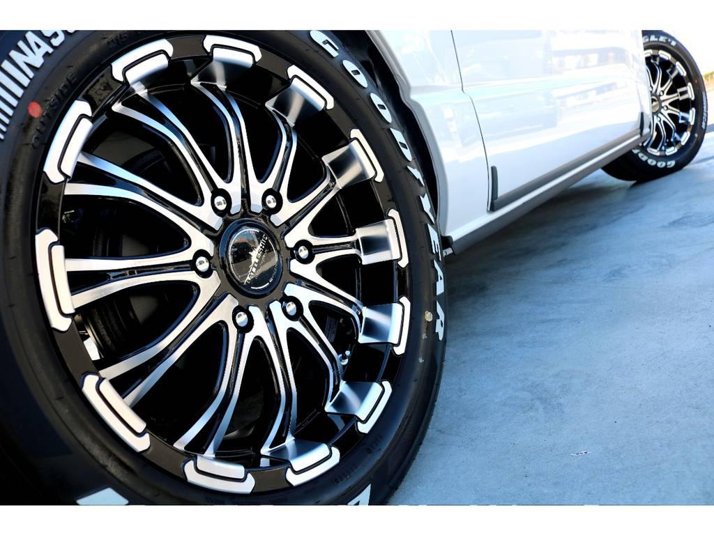 迫力あるサイドライン!! | トヨタ ハイエースバン 2.7 スーパーGL 50THアニバーサリー リミテッド ワイド ミドルルーフ ロングボディ4WD ベッドキットPKG