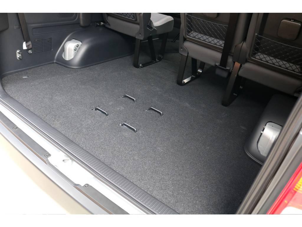 最高部の列を外したことにより、巨大な収納空間が設けられました!普通免許で走行可能ですので、快適な1台です♪ | トヨタ ハイエースコミューター 2.8 GL ディーゼルターボ