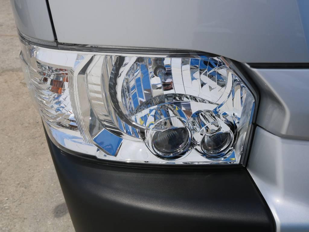 LEDヘッドライト♪   トヨタ ハイエースコミューター 2.8 GL ディーゼルターボ 3NO 10人乗りワゴン