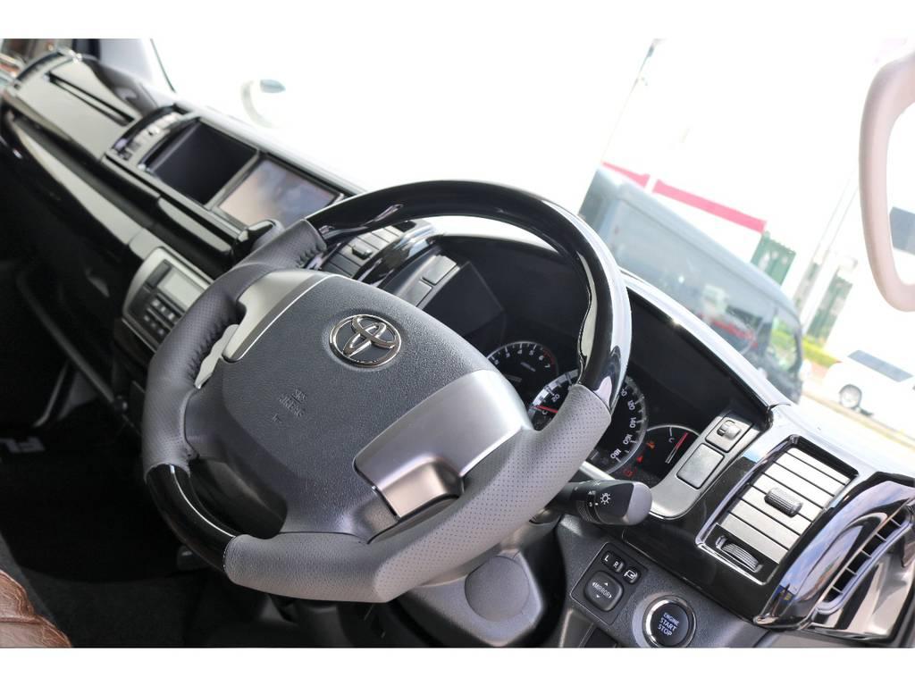 追加のサブモニター・USB充電ポートのお取付け承ります♪充実装備で快適なドライブをお楽しみ頂けます!