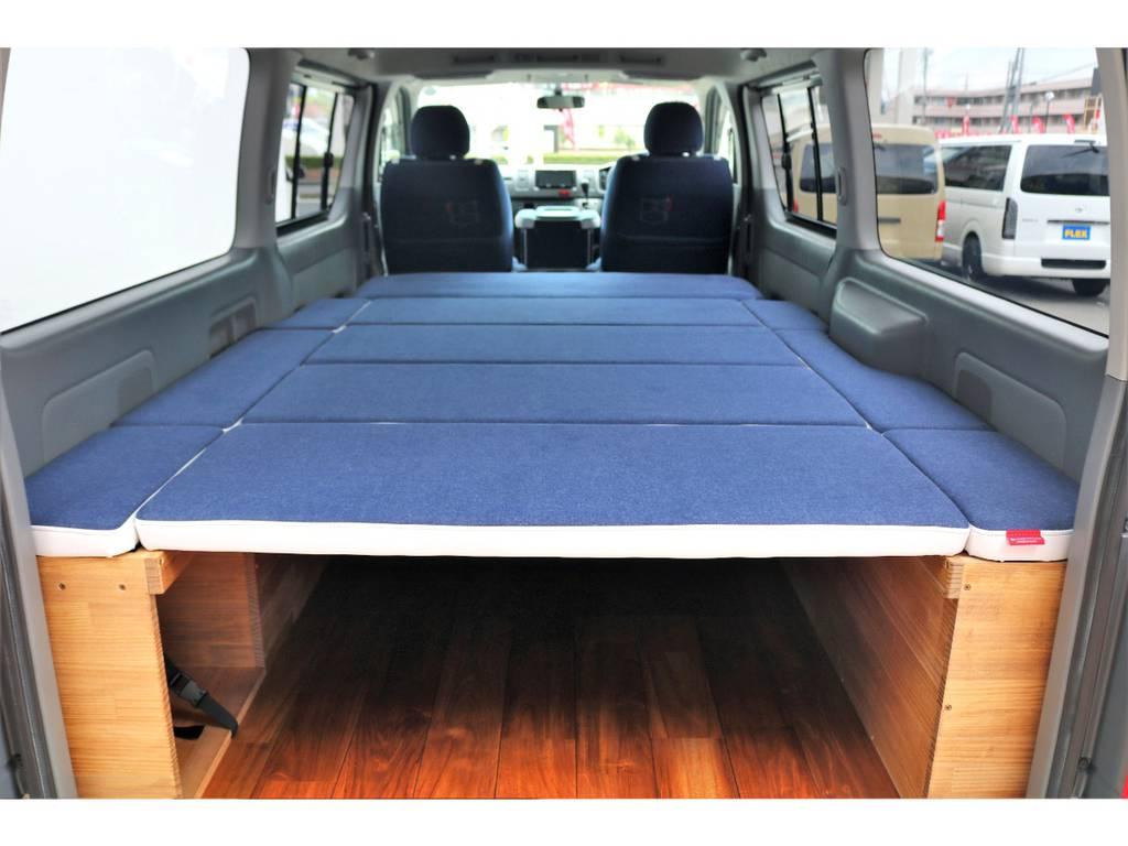 クラフトプラス製のベッドキットはお洒落と収納力を兼ね備えた人気の商品です♪納期2か月待ちの中、コンプリートカーの完成です!