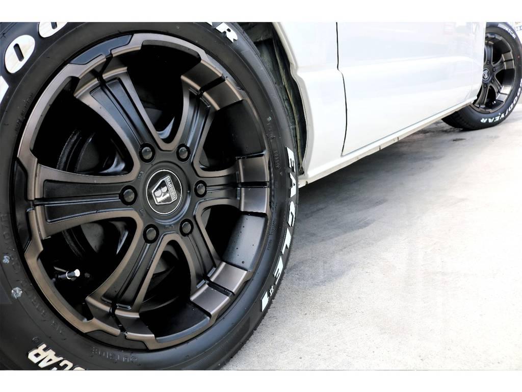 FLEXオリジナルカラー バルベロWD 17インチアルミを装着!シックなブロンズカラーと深いリムが足元を引き締めます♪ | トヨタ ハイエースバン 3.0 スーパーGL ワイド ロング ミドルルーフ ディーゼルターボ