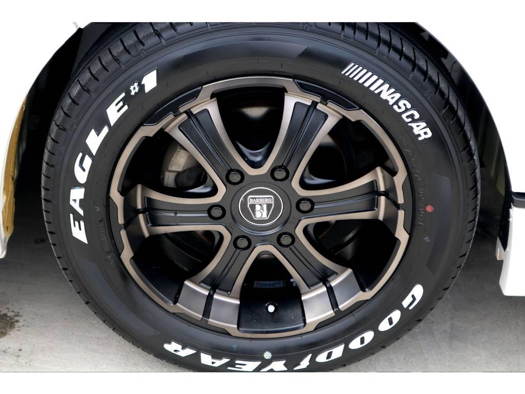 ナスカー ホワイトレタータイヤでアクセントを追加!カッコ良さと実用性を含め、豪華なセットです♪ | トヨタ ハイエースバン 3.0 スーパーGL ワイド ロング ミドルルーフ ディーゼルターボ