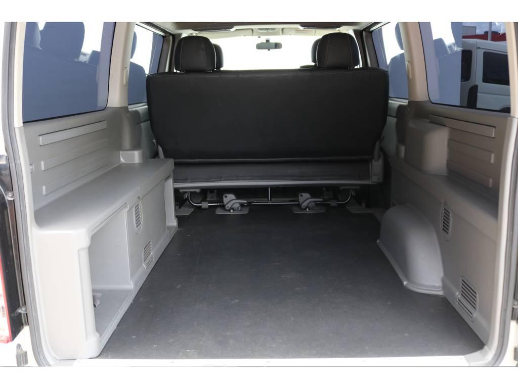 MRT(マルチロールトランスポーター)の床材はロンリューム素材で汚れに強いです!