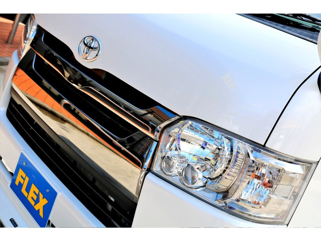 LEDヘッドライトを標準装備!!